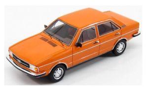 【送料無料】模型車 モデルカー スポーツカー アウディドアオレンジケaudi 80 b1 2s 4door orange1976 kess 143 ke43038001