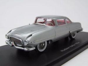 【送料無料】模型車 モデルカー スポーツカー ハドソンイタリアシルバーモデルカースケールモデルhudson italia 1954 silber, modellauto 143 neo scale models