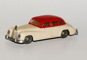 【送料無料】模型車 モデルカー スポーツカー メルセデスモデルsiku v 1 mercedes 300  modell 1953