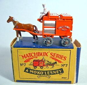 【送料無料】模型車 モデルカー スポーツカー モコボックスマッチミルクフロートオレンジアルミホイールmatchbox rw 07a milk float orange metallrder in moko box