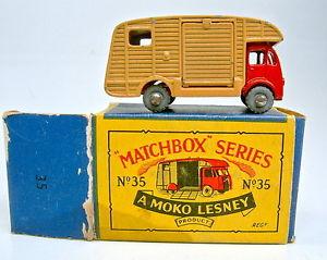 【送料無料】模型車 モデルカー スポーツカー マッチモコボックスボックスレッドブラウンアルミホイールmatchbox rw 35a horse box rot braun metallrder in moko box