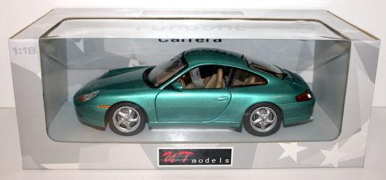 【送料無料】模型車 モデルカー スポーツカー モデルポルシェクーペメタリックグリーンut models 118 27901 porsche 911 996 coupe metallic green