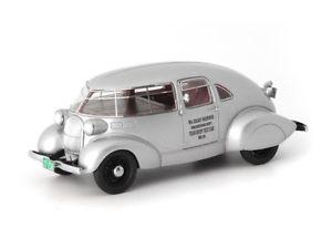 【送料無料】模型車 モデルカー スポーツカー カルトシルバーautocult mcquay norris streamliner 1934 silver 143 atc04007