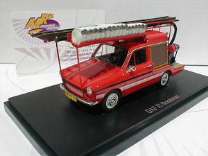 【送料無料】模型車 モデルカー スポーツカー カルトautocult 12001 daf 33 baujahr 1974 in rotwei der brandweer nl 143 neu