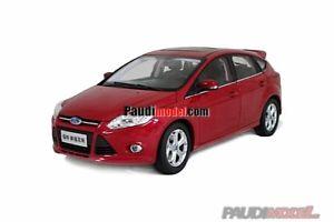 【送料無料】模型車 モデルカー スポーツカー フォードフォーカスpaudi ford focus 2012 red 118