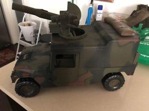 【送料無料】模型車 モデルカー スポーツカー コマンドスケール16 scale the ultimate soldier 21st century toys m1025 command vehicle wcannon