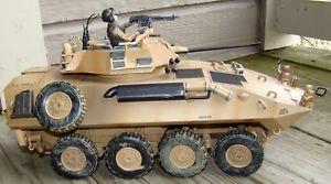 【送料無料】模型車 モデルカー スポーツカー ァーエリートフォースキャリアタンクneues angebot118 bbi elite force us lav25 light armored vehicle apc carrier personnel tank