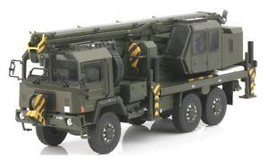 【送料無料】模型車 モデルカー スポーツカー クレーンスイスsaurer 10 dm crane gottwald swiss army tek hoby 150 th5078