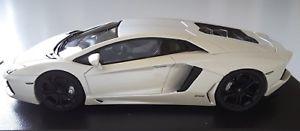 【送料無料】模型車 モデルカー スポーツカー ランボルギーニlamborghini aventador lp7004 143 looksmart ls384e