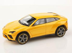【送料無料】模型車 モデルカー スポーツカー ランボルギーニオリオンlamborghini urus giallo orion looksmart ls399d 143