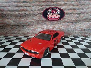 【送料無料】模型車 モデルカー スポーツカー ダッジチャレンジャートリビュートカスタムチューニングイデューク118 dodge challenger general lee tribute custom tuning umbau dukes of hazzard