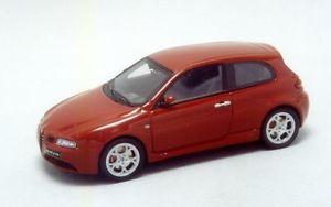 【送料無料】模型車 モデルカー スポーツカー アルファロメオレースエルalfa romeo 147 gta ginevra presentazione  racing43 el003