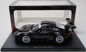 【送料無料】模型車 モデルカー スポーツカー ポルシェグアテマラボディporsche 911 997 gt3 r 2010 plain body schwarz 118 autoart