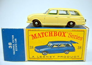 【送料無料】模型車 モデルカー スポーツカー ボックスマッチボクビクターエステートカーイエローmatchbox rw 38b vauxhall victor estate car gelb in d box