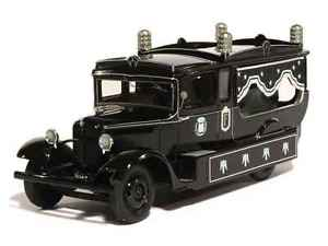 【送料無料】模型車 モデルカー スポーツカー トラックルノーperfex 143 camion renault pr 1933 corbillard