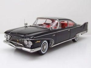 【送料無料】模型車 モデルカー スポーツカー プリマスフューリーハードトップモデルカーサンplymouth fury hard top 1960 schwarz, modellauto 118 sun star