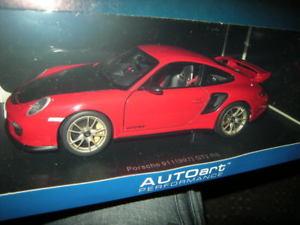 【送料無料】模型車 モデルカー スポーツカー ポルシェグアテマラタイプ118 autoart porsche 911 typ 997 gt2 rs rotred nr 77964 ovp