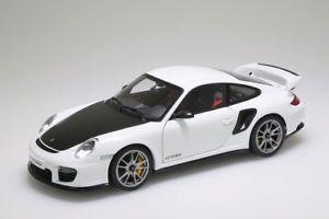 【送料無料】模型車 モデルカー スポーツカー ポルシェporsche 911 997 gt2 rs 2010 weiss autoart 118 neuovp