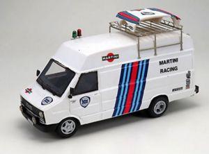 【送料無料】模型車 モデルカー スポーツカー キットフィアットスクーデリアランチアマティーニアリーナモデルキットkit fiat daily assistenza scuderia lancia martini 1983 arena models kit 143