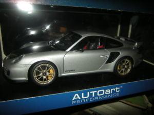 【送料無料】模型車 モデルカー スポーツカー ポルシェグアテマラタイプシルバーシルバー118 autoart porsche 911 typ 997 gt2 rs silbersilver nr 77961 ovp