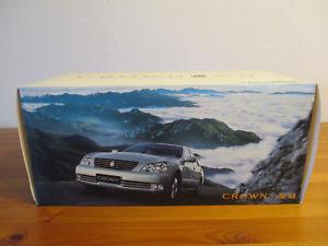 【送料無料】模型車 モデルカー スポーツカー トヨタクラウン gor 118 faw toyota crown neu ovp