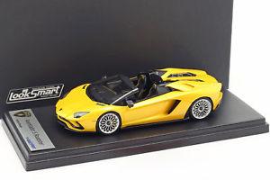 【送料無料】模型車 モデルカー スポーツカー ランボルギーニロードスターイエローメタリックスマートlamborghini aventador s roadster gelb metallic 143 looksmart