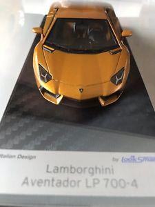 【送料無料】模型車 モデルカー スポーツカー ランボルギーニゴールドタイプlamborghini aventador lp7004 gold met art ls384se limited 25pz looksmart 143