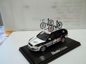 【送料無料】模型車 モデルカー スポーツカー シュコダコンビskoda octavia combi ammiraglia bmc stagione 2010