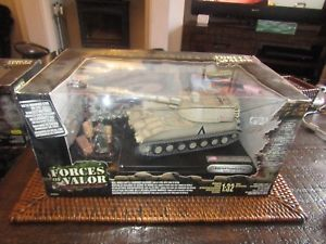 【送料無料】模型車 モデルカー スポーツカー forces of valor 132 us m109 self propelled howitzer desert storm, 1991