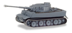 【送料無料】模型車 モデルカー スポーツカー トラロシアherpa military panzerkampfwagen tiger ausf h1, dekoriert, russland nr 111