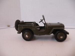 【送料無料】模型車 モデルカー スポーツカー スケールジープdinky toys 143 vhicule jeep willys