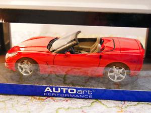 【送料無料】模型車 モデルカー スポーツカー タイプシボレーコルベットauto art chevrolet corvette c6 convertible red 2005 art 71221 118