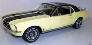 【送料無料】模型車 モデルカー スポーツカー ライトピクチャフレームフォードマスタングスキーgreenlight 118 12925 1967 ford mustang ski country special yellow