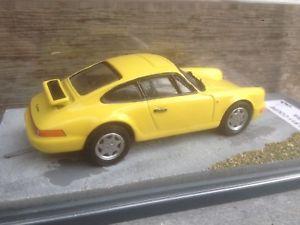 【送料無料】模型車 モデルカー スポーツカー ポルシェボックスキットモデルカーカレーペporsche 911 964 carrera coupe in bbr box 143 built kit berlinetta modelcars