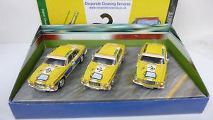 【送料無料】模型車 モデルカー スポーツカー コーギージャガーシリーズレーシングcorgi 143 ja1003 jaguar racing set xj6 series 3tlg in ovp a151