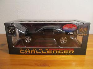 【送料無料】模型車 モデルカー スポーツカー ダッジチャレンジャー gor 118 highway 61 dodge challenger neu ovp