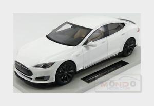 【送料無料】模型車 モデルカー スポーツカー テスラモデルホワイトグッズtesla model s 2012 white ls collectibles 118 ls028b