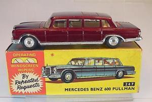 【送料無料】模型車 モデルカー スポーツカー コーギーメルセデスベンツプルマンレッドcorgi toys 247 mercedes benz 600 pullmann rot in ovp 5396
