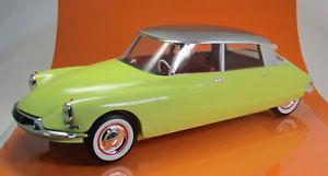 【送料無料】模型車 モデルカー スポーツカー シトロエントリエンナーレnorev 121561 citroen ds 19 baujahr 1958 jaune jonquille gris triennale neu 1 12