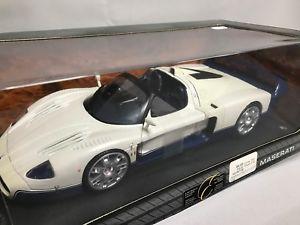 【送料無料】模型車 モデルカー スポーツカー マセラティマセラティクーペta021 hotwheels maserati mc12 coupe 118 g7158 jamais sortie de boite