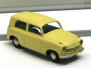 【送料無料】模型車 モデルカー スポーツカー #ロイドヴァンtekno 817 lloyd kombi wagen gelb sehr guter zustand