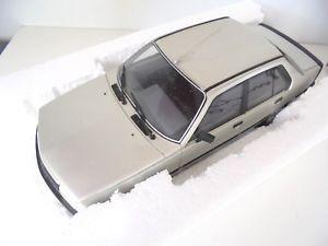 【送料無料】模型車 モデルカー スポーツカー ルノーターボフェーズオットー118 renault 18 turbo phase ii   otto