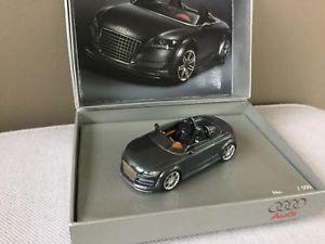 【送料無料】模型車 モデルカー スポーツカー アウディaudi tt limite edition looksmart 143