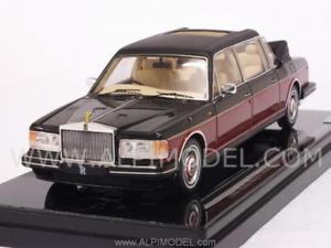 【送料無料】模型車 モデルカー スポーツカー rolls royce 1990 silver spirit emperor state 143 truescale tsm134346