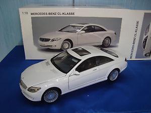 【送料無料】模型車 モデルカー スポーツカー neues angebotmodello auto art mercedes benz cl class