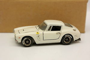【送料無料】模型車 モデルカー スポーツカー amr 143 ferrari 250 swb blanche