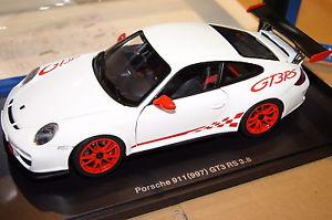 【送料無料】模型車 モデルカー スポーツカー ポルシェグアテマラルピーホワイトporsche 911 997 gt3 rs 3,8 wei 2010 118 autoart neu amp; ovp 78143