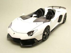 【送料無料】模型車 モデルカー スポーツカー ランボルギーニホワイトモデルカーlamborghini aventador j 2012 wei, modellauto 118 autoart