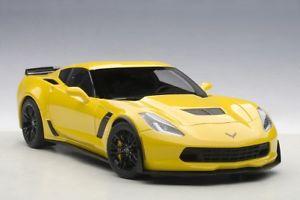 【送料無料】模型車 モデルカー スポーツカー シボレーコルベットレーシングイエローchevrolet corvette c7 z06 2014 racing yellow 118 71263 autoart