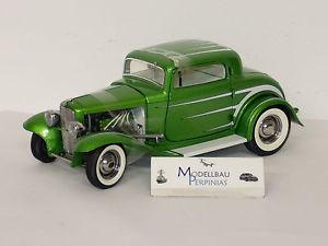 【送料無料】模型車 モデルカー スポーツカー フォードデュースウィンドウグランドナショナルシリーズ1932 ford 3 window grand national deuce serie nr 6 gmp acme 118